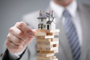 Investment,Risk,And,Uncertainty,In,The,Real,Estate,Housing,Market