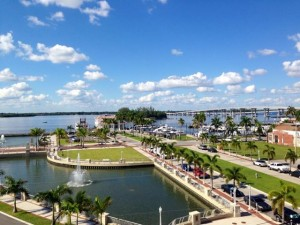 Gateway convenient to downtown Fort Myers