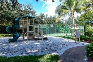 children's play area at colonial oaks