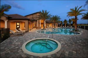 Swimming Pool & Spa