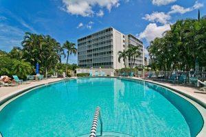 vanderbilt towers swimming pool