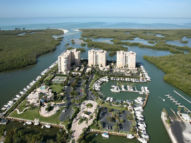 Pelican Isle