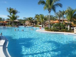 pool_paseo