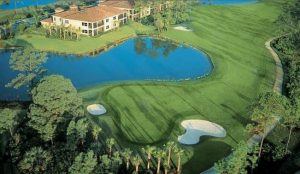 Wrapped around condominiums, villas and single family homes, the Forest Glen Community, Arthur Hills golf couse is one of the best palaces to play in all of SW Florida